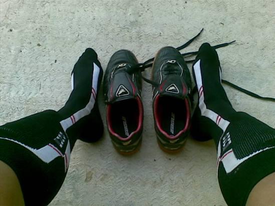 sepatu futsal.jpg